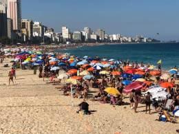 Em São Paulo, até 410 mil veículos devem seguir para o litoral durante o feriadão