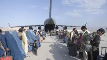 Na quinta-feira (26), um ataque matou mais de 100 pessoas nos arredores do aeroporto de Cabul