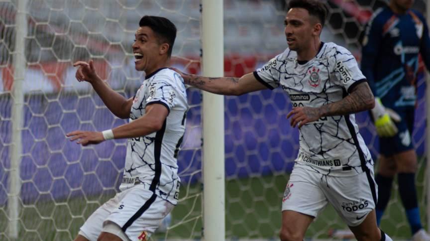 Roni foi o autor do gol da vitória do Corinthians contra o Athletico-PR