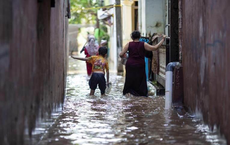 Enchentes em Jacarta, Indonésia, em fevereiro de 2021
