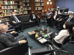 Ministro do STF se reuniu com a cúpula da comissão nesta terça-feira (24)