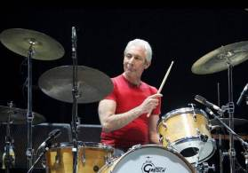 O artista, que toca nos Stones desde 1963, já havia anunciado no dia 4 deste mês que não participaria da próxima turnê da banda, chamada No Filter, por motivos de saúde