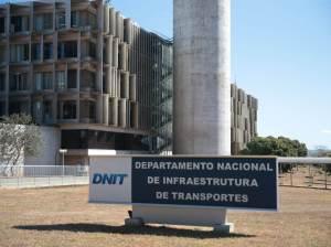 Polícia Federal investiga fraudes em licitações no DNIT
