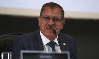 Nome de Humberto Martins tem o apoio tanto de senadores independentes como governistas. Bolsonaro, no entanto, já sinalizou que não pretende desistir da indicação do ex-advogado-geral da União