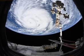 Furacão aumentou rapidamente de intensidade desde que atingiu Cuba na sexta-feira (27), ameaçando ser 'extremamente perigoso'