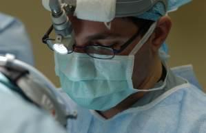 O forame oval patente (FOP) é observado em cerca de 25% da população geral e não representa riscos para a maioria das pessoas