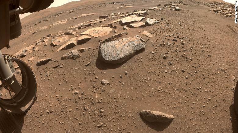 O Perseverance está se preparando para extrair material rochoso de Marte