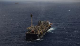 Estoques de petróleo dos EUA caíram pela terceira semana consecutiva, mas quadro de demanda não é otimista