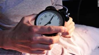 No quadro Correspondente Médico, dr. Fernando Gomes analisou se dormir menos de 6 horas ou mais de 9 horas pode fazer mal