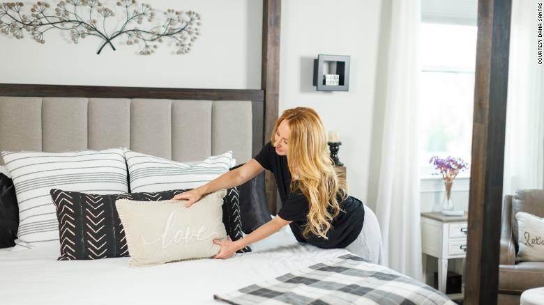 Arrumar a cama é uma boa forma de começar o dia