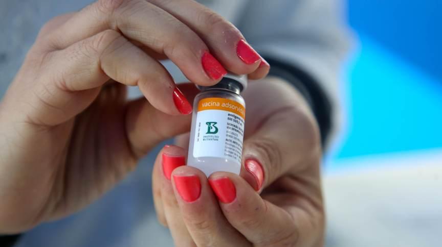 Segundo o Ministério da Saúde, os lotes interditados pela Anvisa terão a distribuição suspensa até conclusão da investigação por parte da agência