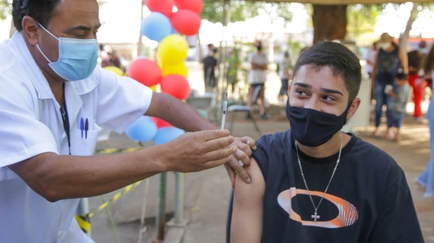 Vacinação contra a Covid-19 em Ceilândia (DF)