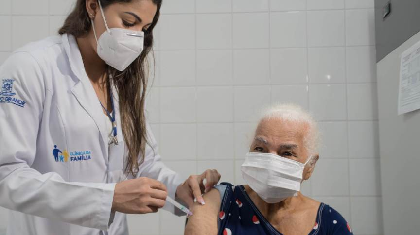 Vacinação contra a Covid-19 em Campo Grande (MS)