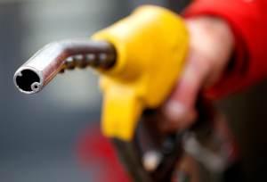 Corrida a postos de combustível no Reino Unido seca bombas em algumas cidades
