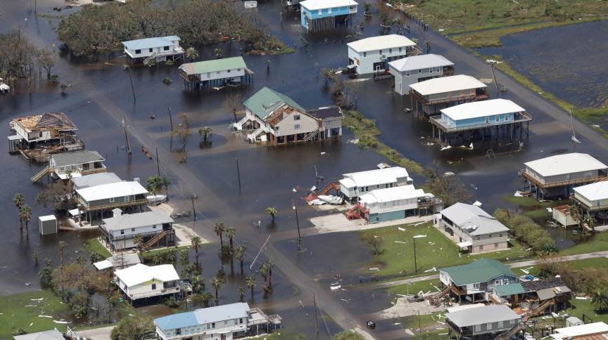 Vista aérea de área inundada em Grand Isle, no Estado norte-americano da Lousiana, após passagem do furacão Ida, em 31/08/2021