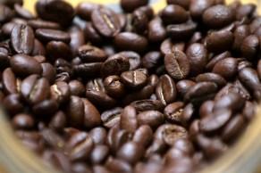 Estudo foi feito com 4.200 pessoas; desse total, 30% disseram que consomem mais de seis xícaras de café por dia