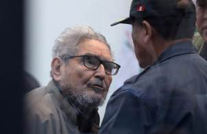Guzmán morreu na penitenciária em Lima, onde cumpria prisão perpétua desde 1992