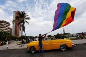 Ativistas ainda temem que a comissão encarregada da mudança possa ceder à pressão de grupos religiosos