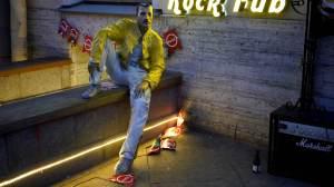 NFTs de Freddie Mercury são leiloadas para instituição de caridade contra o HIV