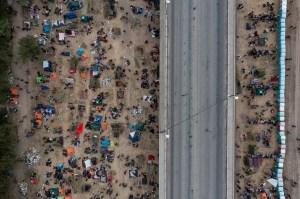 Campo de fronteira dos EUA é fechado, e haitianos enfrentam futuro incerto