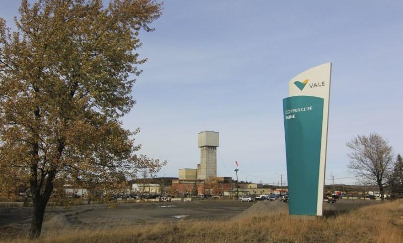 39 trabalhadores estão sendo resgatados após ficarem presos em uma mina da Vale em Ontario, no Canadá