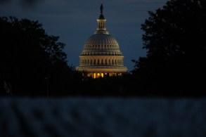 Projeto de financiamento precisa do aval da Câmara dos Deputados para que o presidente americano sancione o texto até meia noite