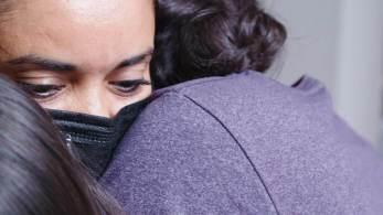 O mundo ouviu relatos de crianças traumatizadas, pais desesperados por respostas eequipes de busca vasculhando México, El Salvador, Honduras e Guatemalaatrás de mães e pais desaparecidos