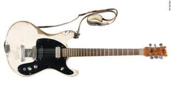 Guitarra de lenda do punk rock foi usada por 20 anos, em 1.985 shows e 15 álbuns