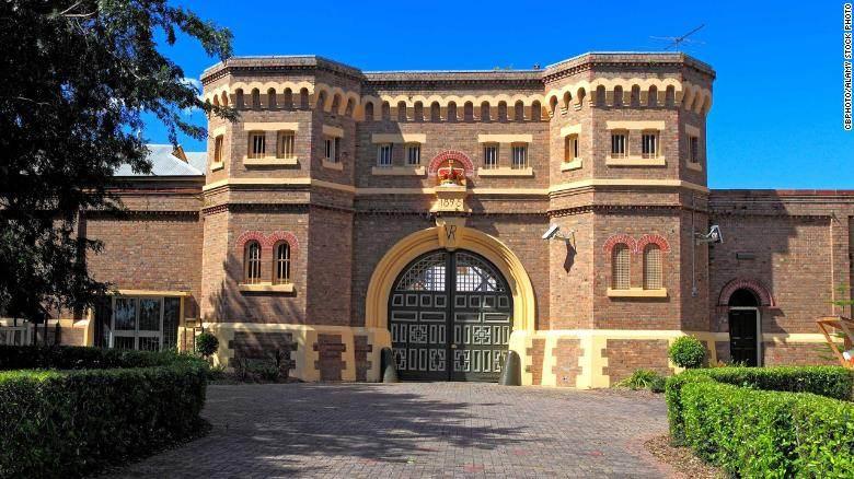 Desic fugiu do centro correcional Grafton, em 1992; neste domingo, ele se entregou às autoridades locais de Sidney