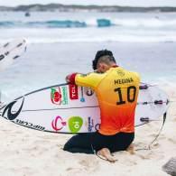 Surfista supera frustração da Olimpíada e volta ao topo com título mundial
