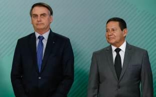 Acordo envolve Bolsonaro sinalizar apoio à pretensão de Mourão de se candidatar a senador no ano que vem