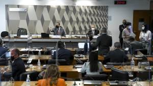 Cúpula da CPI discute com OAB mudanças na lei, com prazo para análise de impeachment