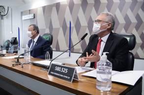 """""""É um dos casos mais graves que vamos enfrentar aqui na CPI"""", disse Renan Calheiros sobre as denúncias envolvendo a operadora de saúde"""