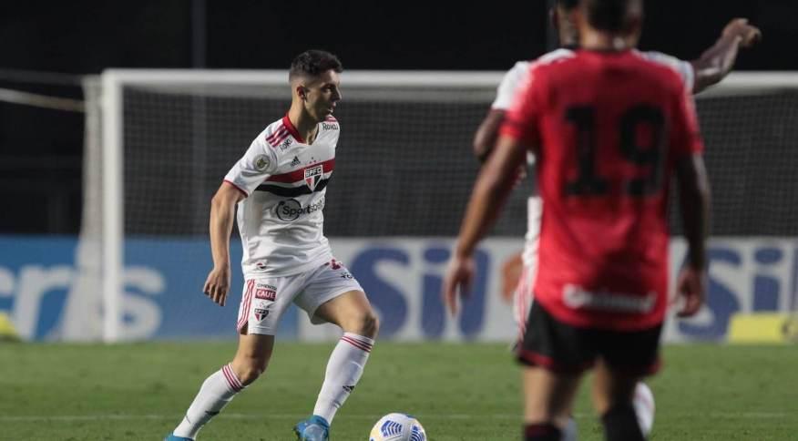São Paulo vence o Atlético-GO