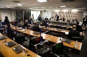 Operadora de saúde é acusada de fazer testes com cloroquina no tratamento da Covid-19 e ocultar as informações dos pacientes