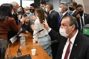 """Ministro da CGU afirmou que a senadora era """"descontrolada"""" e deveria reler todo o processo da CGU sobre o caso Precisa Medicamentos e Ministério da Saúde"""