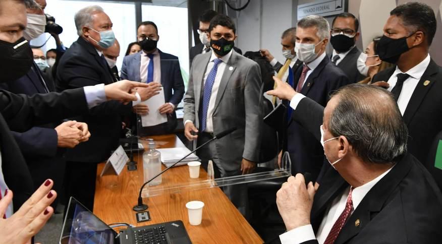 Depoimento de Wagner Rosário, ministro da CGU, na CPI da Pandemia terminou com discussão e sua passagem para a condição de investigado