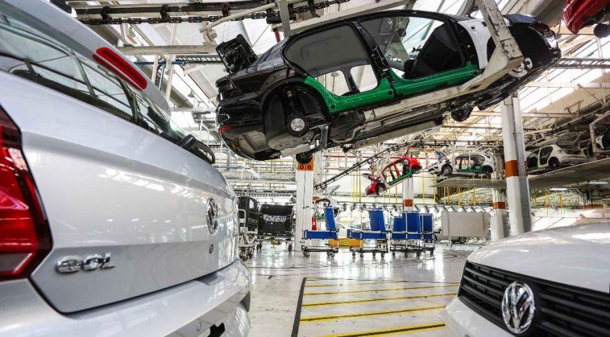 Fábrica da Volkswagen em Taubaté fabrica os veículos Gol e Voyage