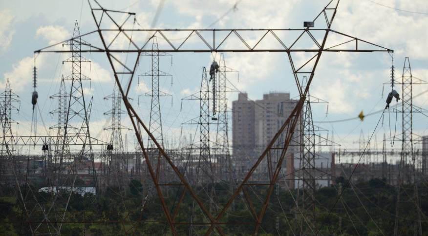 Crise hídrica: MME lançou programa de adesão voluntária que permite que grandes consumidores desloquem seu consumo de energia para horários em que a demanda é menor