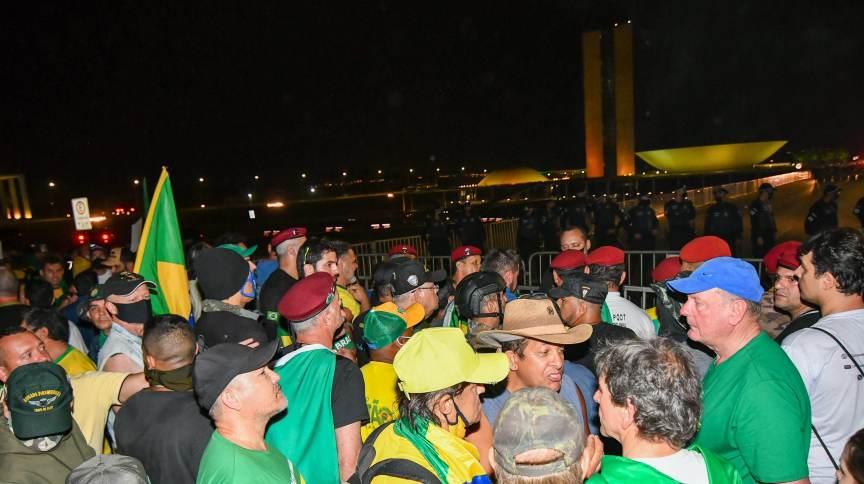 Apoiadores de Jair Bolsonaro na Esplanada