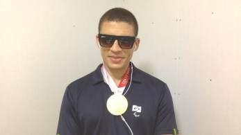 """Atleta Cássio Reis conta que perdeu a visão aos 14 anos e o Instituto de Cegos da Bahia o apresentou ao """"mundo Paralímpico"""""""
