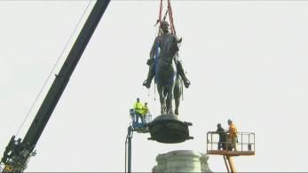Monumento irá para um armazém do governo, e ainda não há uma decisão do que será feito com ele