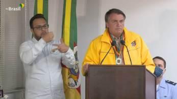 Em primeira viagem após atos de 7 de Setembro, presidente participou da Expointer, no Rio Grande do Sul, mas evitou falar com jornalistas