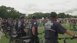 Apoiadores de Trump protestam nos EUA a favor de acusados de ataque ao Capitólio