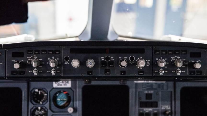 Controles do sistema de piloto automático de um Airbus A340