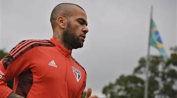 Daniel Alves em treino pelo São Paulo