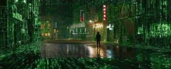 Neo, interpretado por Keanu Reeves, volta a escolher entre as pílulas azul e vermelha na continuação da trilogia original