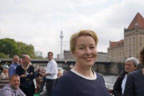 Giffey tem 43 anos e foi ministra da Família no governo de Angela Merkel; capital da Alemanha já era comandada pelo partido Social-Democrata