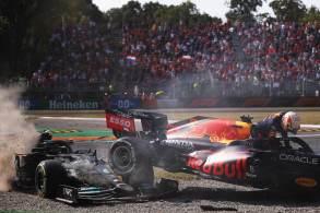 Australiano conquista primeira vitória pela McLaren e completa dobradinha com Lando Norris, que chegou em 2º lugar