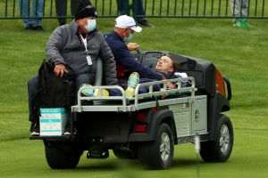Tom Felton, estrela de Harry Potter, desmaia durante jogo de golfe